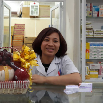 Pharmacist Nguyen Thi Hang
